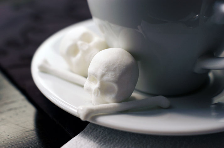 Skull Sugar by Snow Violent.Prototype maker: DR.HC.Photographer: Olesya Turchuk.