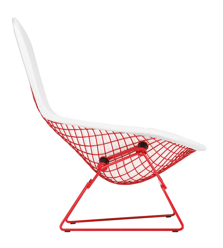 HARRY BERTOIA AND RICHARD SCHULTZFOUR ''BIRD'' CHAIRS AND ''PETAL'' COFFEE TABLESelected and customised by Jony Ive & Marc Newson for the (RED) Au