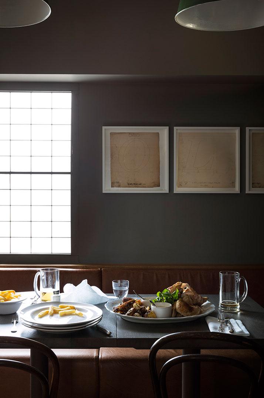 The dining room. Photo© Paul Raeside.
