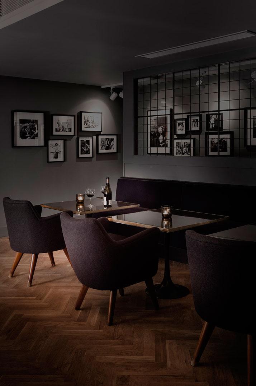 The members ''back'' bar. Photo© Paul Raeside.