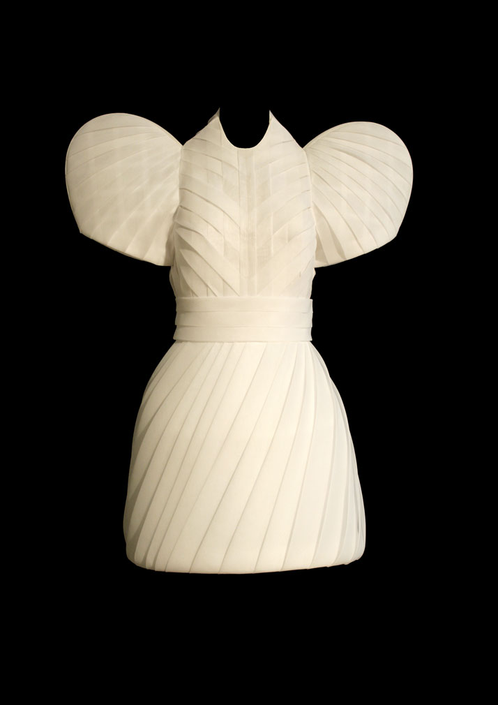Dice Kayek, ''Dome 2'' dress, 2010.Light-weight cotton organdie folded to echo the ribs of the city's mosques and palaces' lead-covered domes.photo © Dice Kayek Archive.