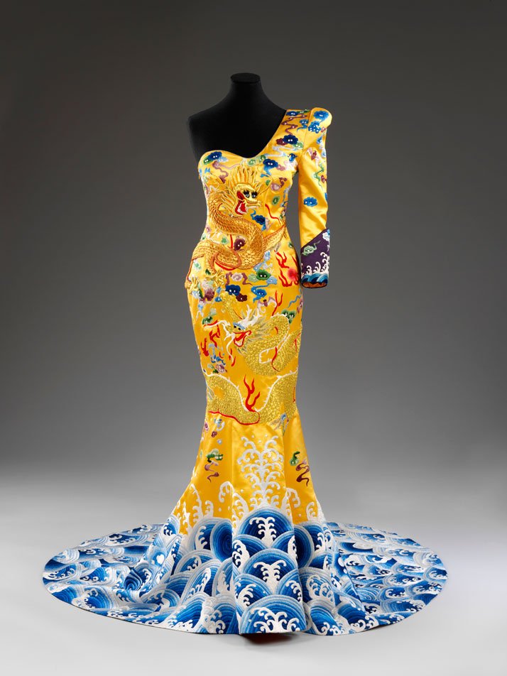 Red carpet dress by Laurence Xu, China, 2011.photo © Victoria and Albert Museum.