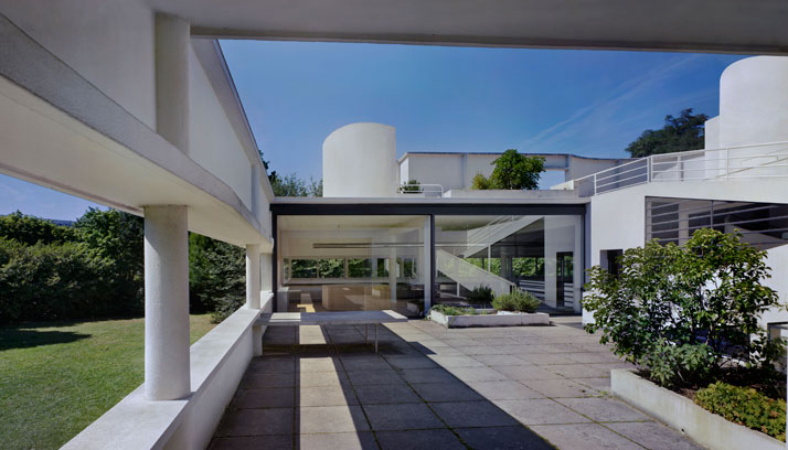Le Corbusier / Villa Savoye, Poissy. © Richard Pare, 2012.