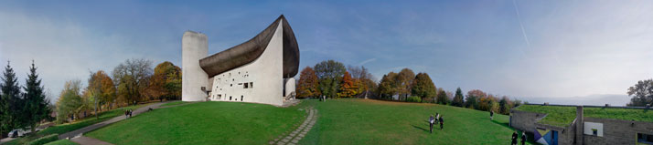 Le Corbusier / Notre Dame du Haut chapel, Ronchamp, 1951-22. View towards the east © Richard Pare, 2011.