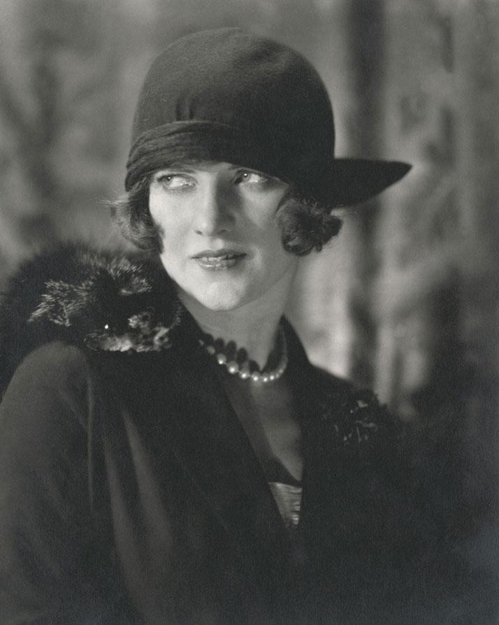 Edward Steichen, American Vogue, December 1923 © 1923 Condé Nast.