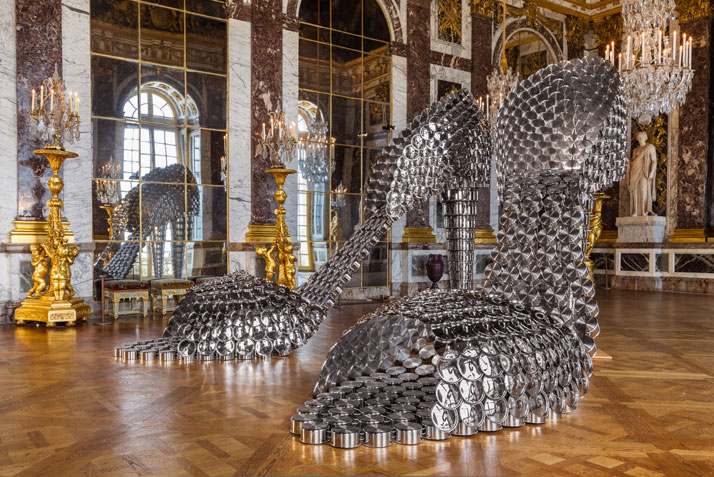 Joana Vasconcelos, Marilyn, 2009.Stainless steel pans and lids, concrete.(2x) 297 x 155 x 410 cm.Private collectionWork produced with the support of Silampos.photo © Joana Vasconcelos.