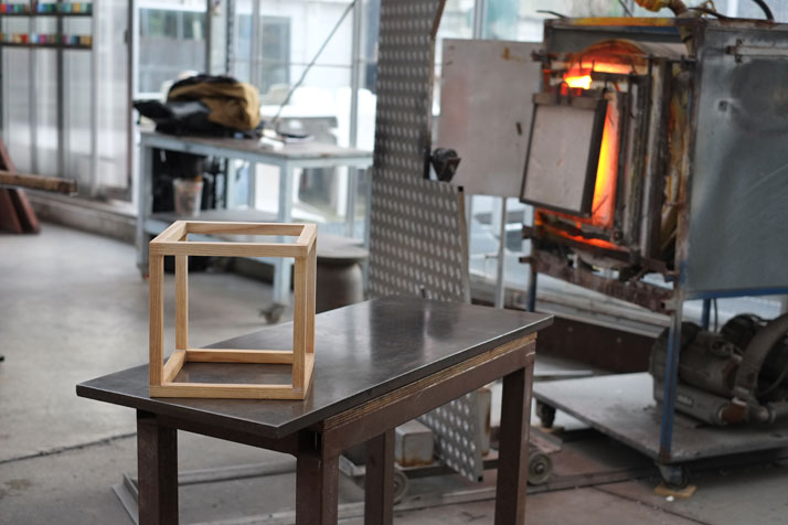 The making of ''Curator Cabinets'', photo ©  Lisa Klappe / StudioThier&VanDaalen.