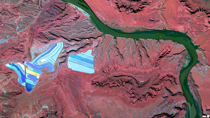 Settling ponds of Intrepid Potash mine, Moab, Utah.Overview captured with Apple Maps. Satellite imagery from Digital Globe.Copyright 2014, Daily Overview.