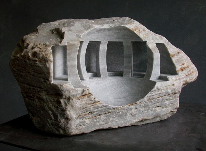 Matthew Simmonds, Solaris 2010 Carrara marble, height 25cmphoto © Matthew Simmonds.