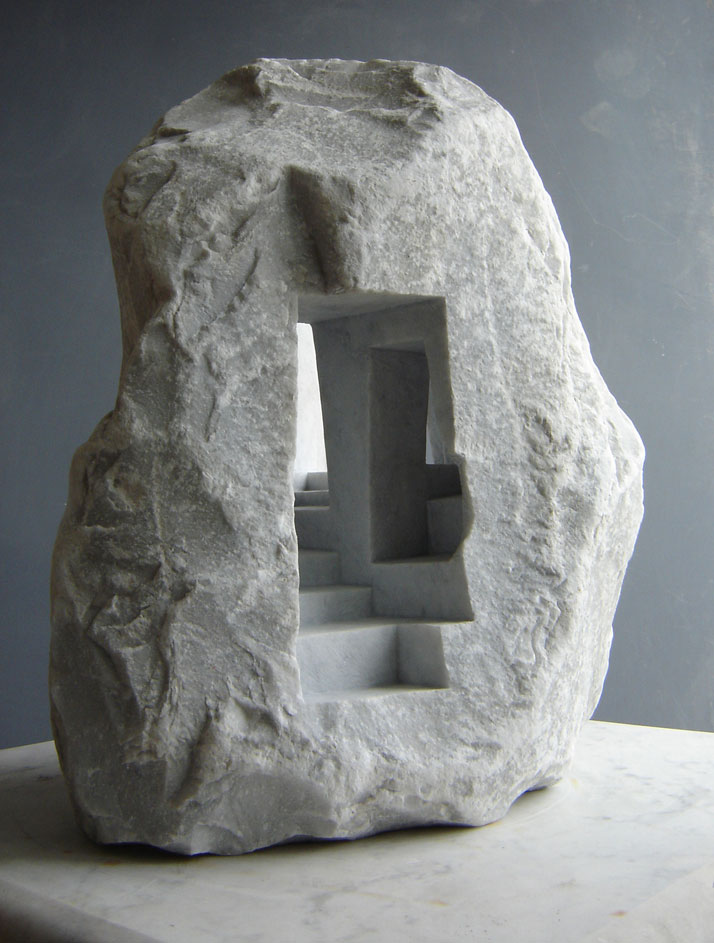 Matthew Simmonds, The Passage 2003 Carrara marble, 40 X 30 X 57cmFirst International Sculpture Exhibition, Guilin, Chinaphoto © Matthew Simmonds.