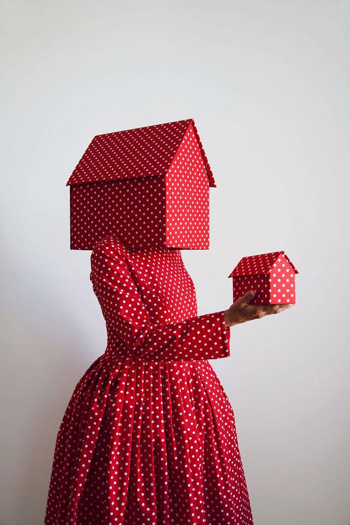 GUDA KOSTER ''Rosso con pois bianchi 2012'', photo © Triennale di Milano.
