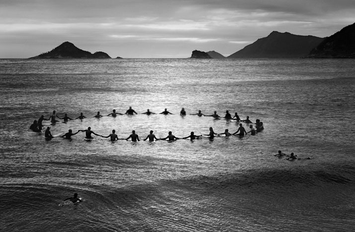 Paddle out recreio dos bandeirantes 2013 photo olaf heine