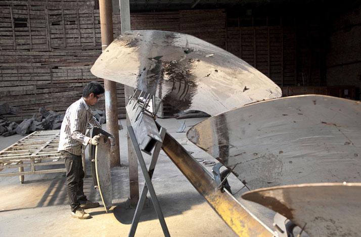 Refraction under construction in Beijing; photo: Jan Stürmann.