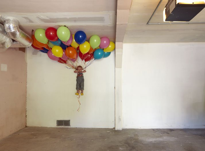 Balloons, 2014; c-print, 34'' x 46''. Courtesy of Lee Materazzi.