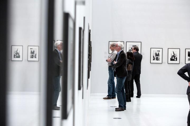 EYES WIDE OPEN exhibition, installation view. Photo © Thies Raetzke/Deichtorhallen Hamburg.