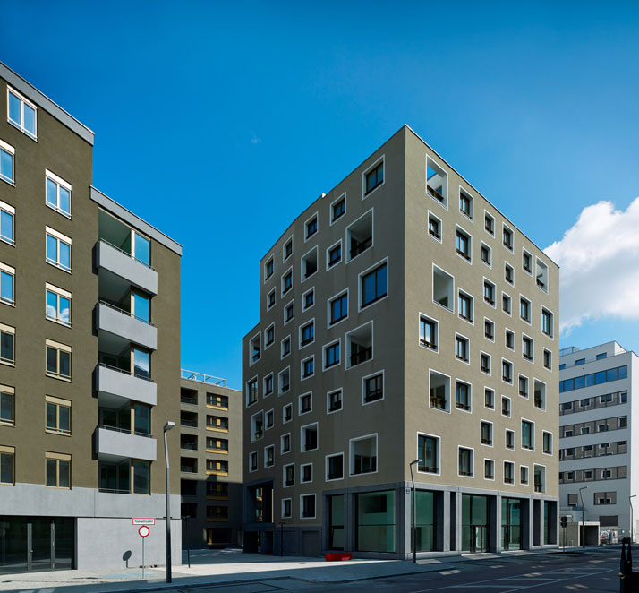 Werner Neuwirth: residential building on Ernst-Melchior-Strasse, Vienna, 2013. Photo © Stefan Müller.
