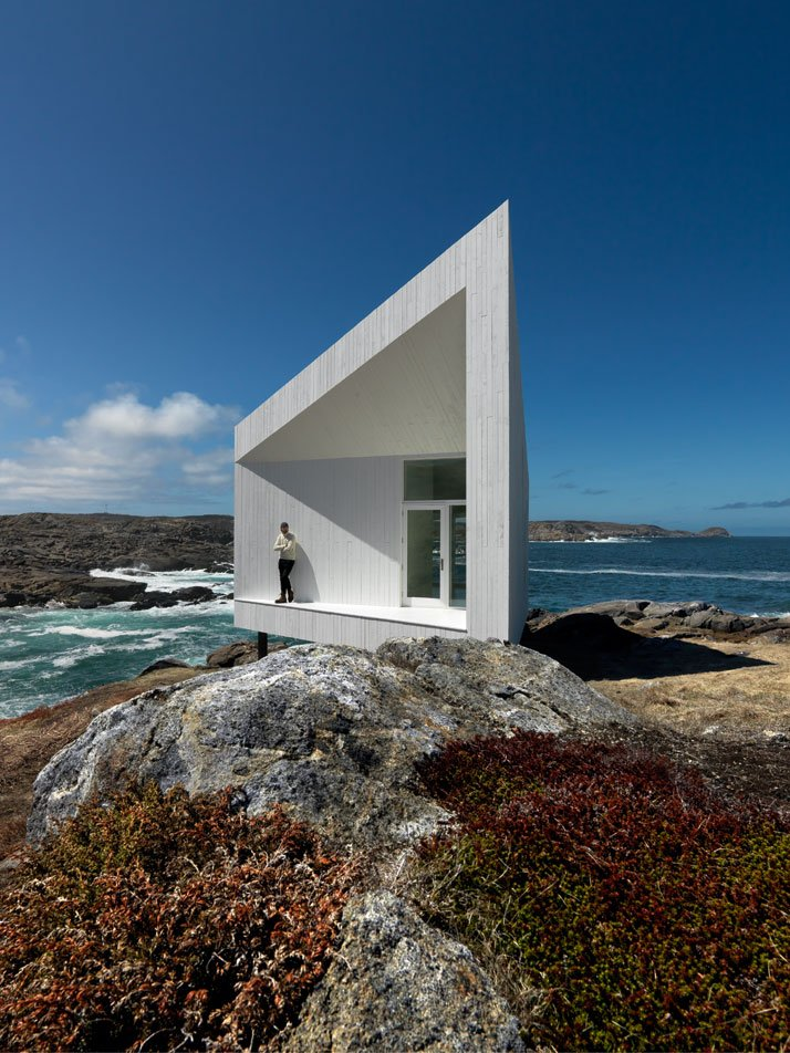 Squish Studio by Saunders Architecture in Newfoundland, Canada, from the book Rock the Shack. Photography: Bent René Synnevåg. Copyright Gestalten 2013.