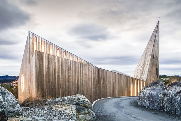 photo by Hundven-Clements Photography © Reiulf Ramstad Arkitekter.