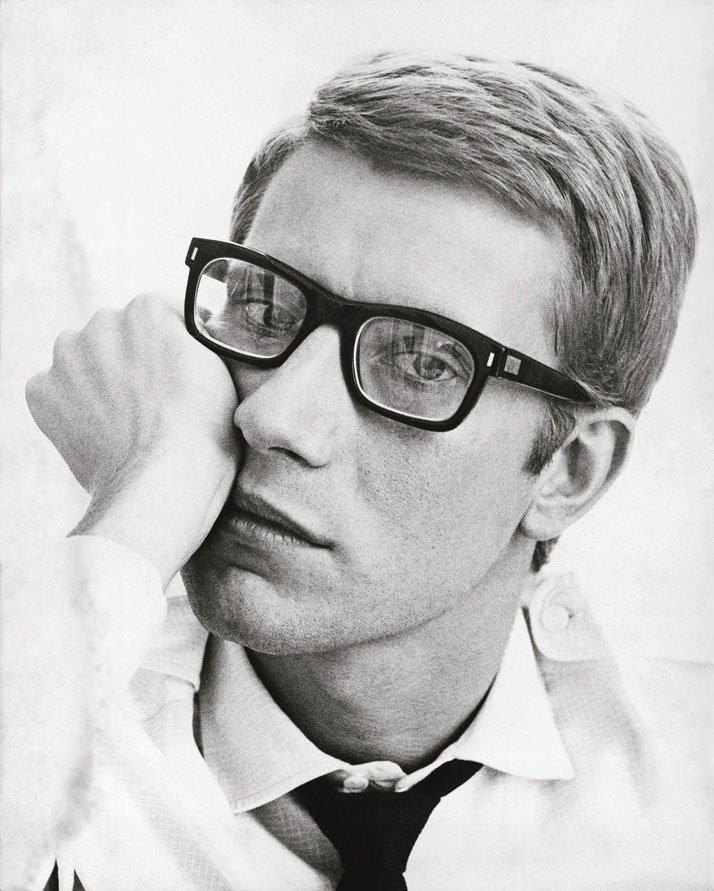 Portrait of Yves Saint Laurent in 1964. Photo © Fondation Pierre Bergé – Yves Saint Laurent / Maurice Hogenboom.