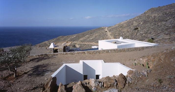Syros IΙ. Photo © Erietta Attali.