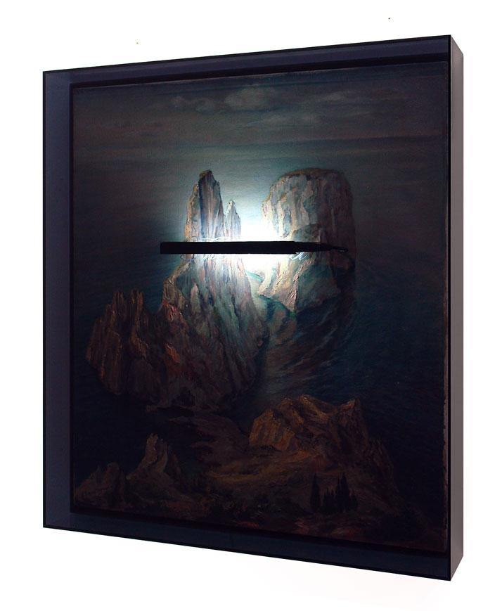 Peter Buechler, Untitled, 2014. Objet trouvé, neon light, acrylic box, 85x75x13cm. Photo courtesy of the artist.