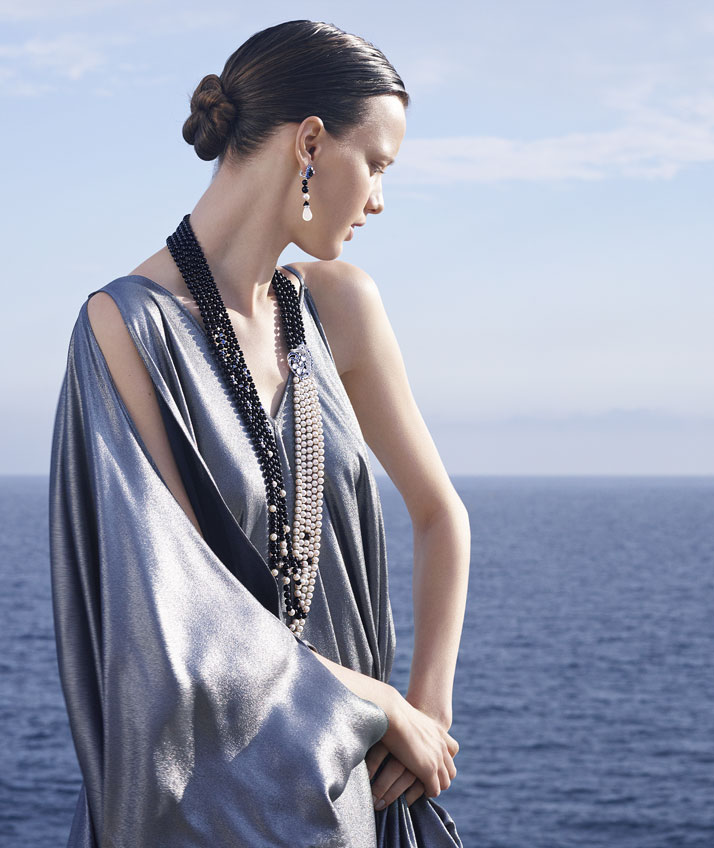 Cheval des Mers necklace and earrings, inspired by the Black Sea. © Van Cleef & Arpels. Photo by Sonia Sieff.