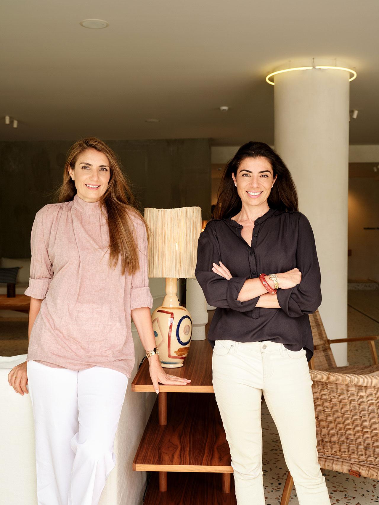 Agapi and Costantza SbokoubyYiorgos Kaplanidis, © PHĀEA Resorts.