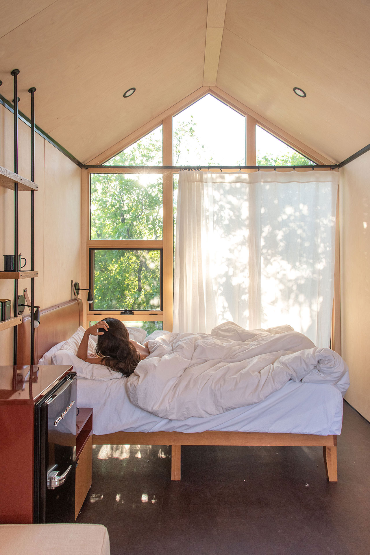 Cabin Interior.Photography by Kim and Nash Finley.