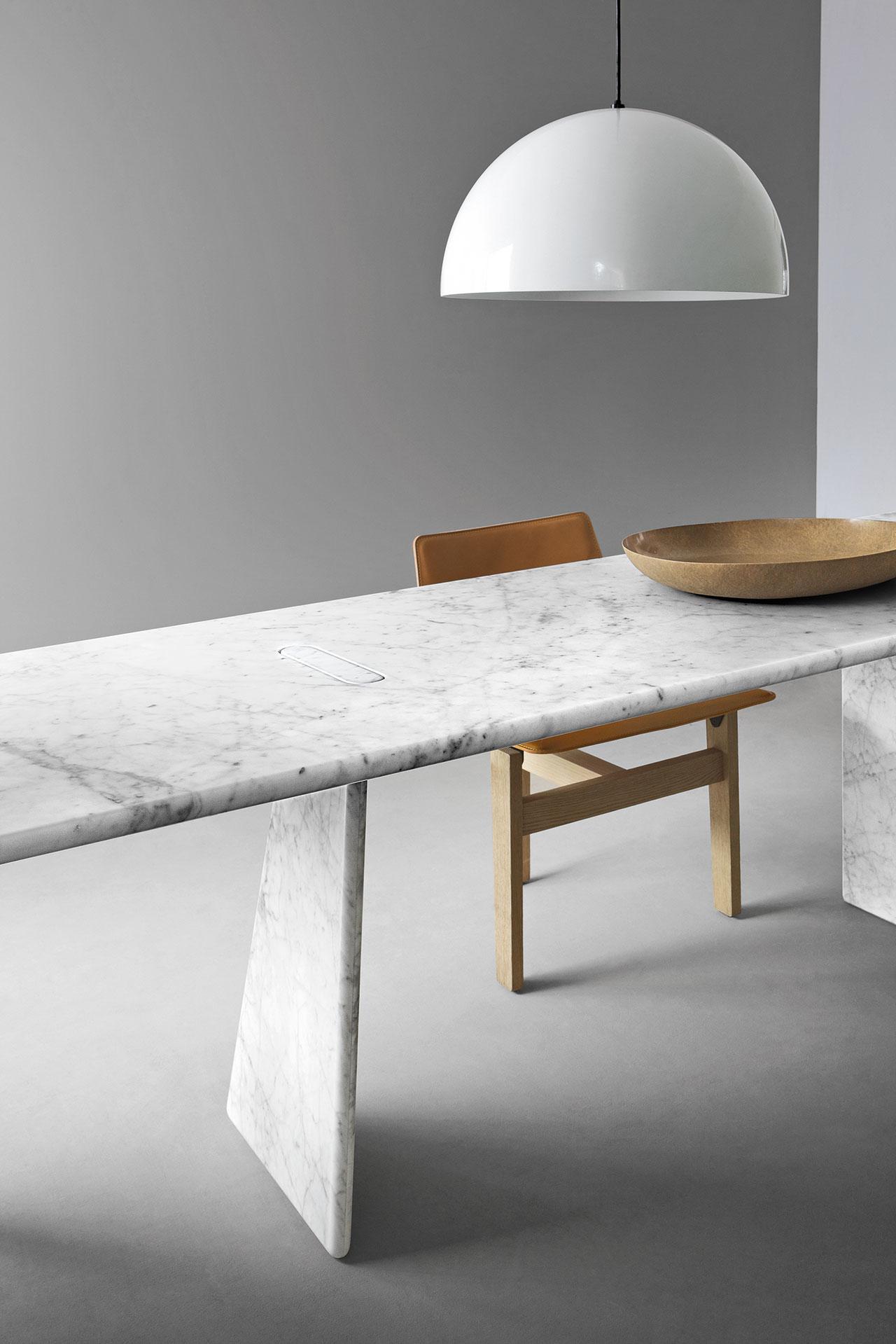 Asolo table, The Mangiarotti Collection, Agapecasa© Agape