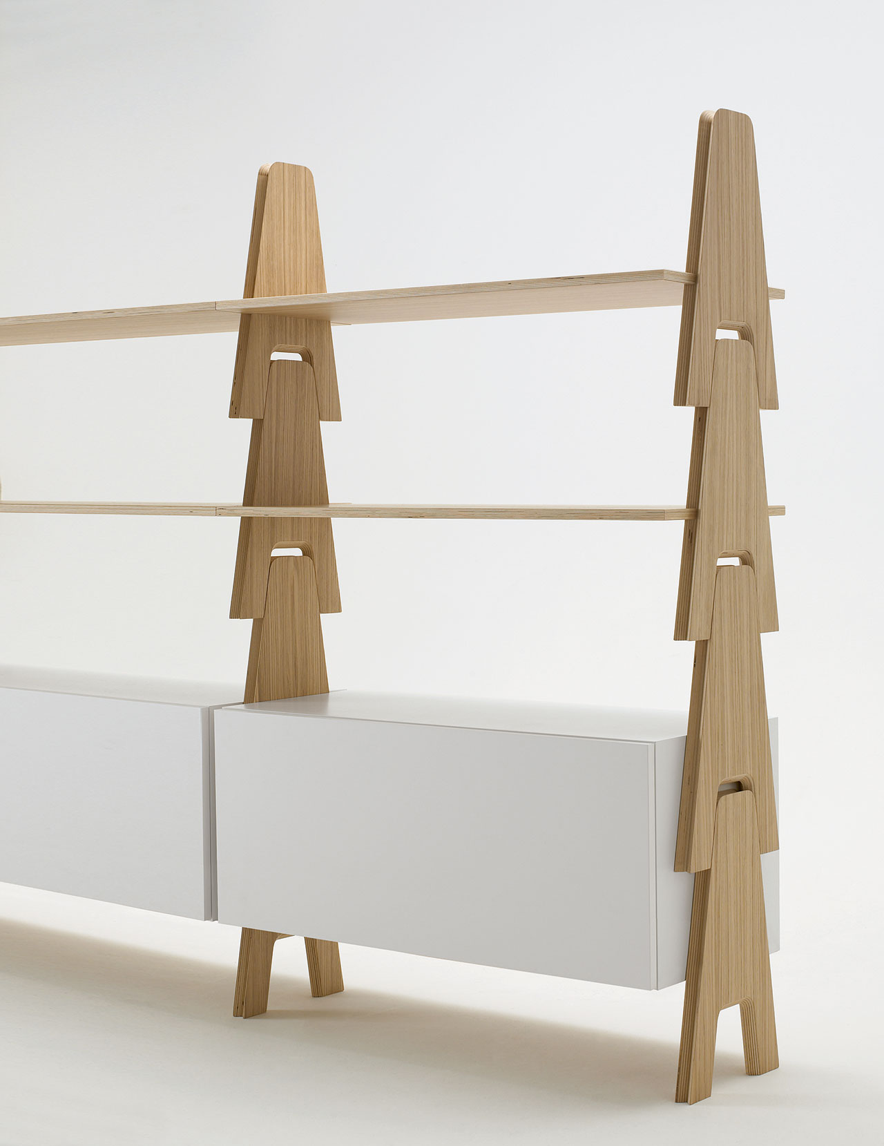 Cavalletto shelving system, The Mangiarotti Collection, Agapecasa© Agape