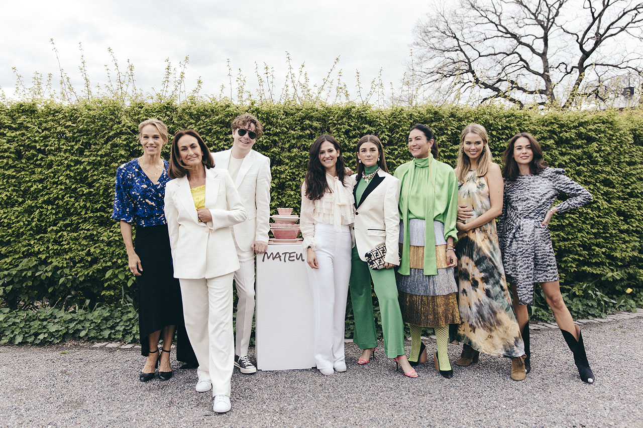 Mateus Meets Fashion 2019, Stockholm, Sweden. From left to right: Emma Wiklund, Mateus founder Teresa Mateus Lundahl, Martin Hansson, Teresa's daughter Filippa Mateus Lundahl, Linn & Annica Eklund, Clara Hallencreutz, and Therese Hellström. Photo by Rasmus Lindahl © Mateus.