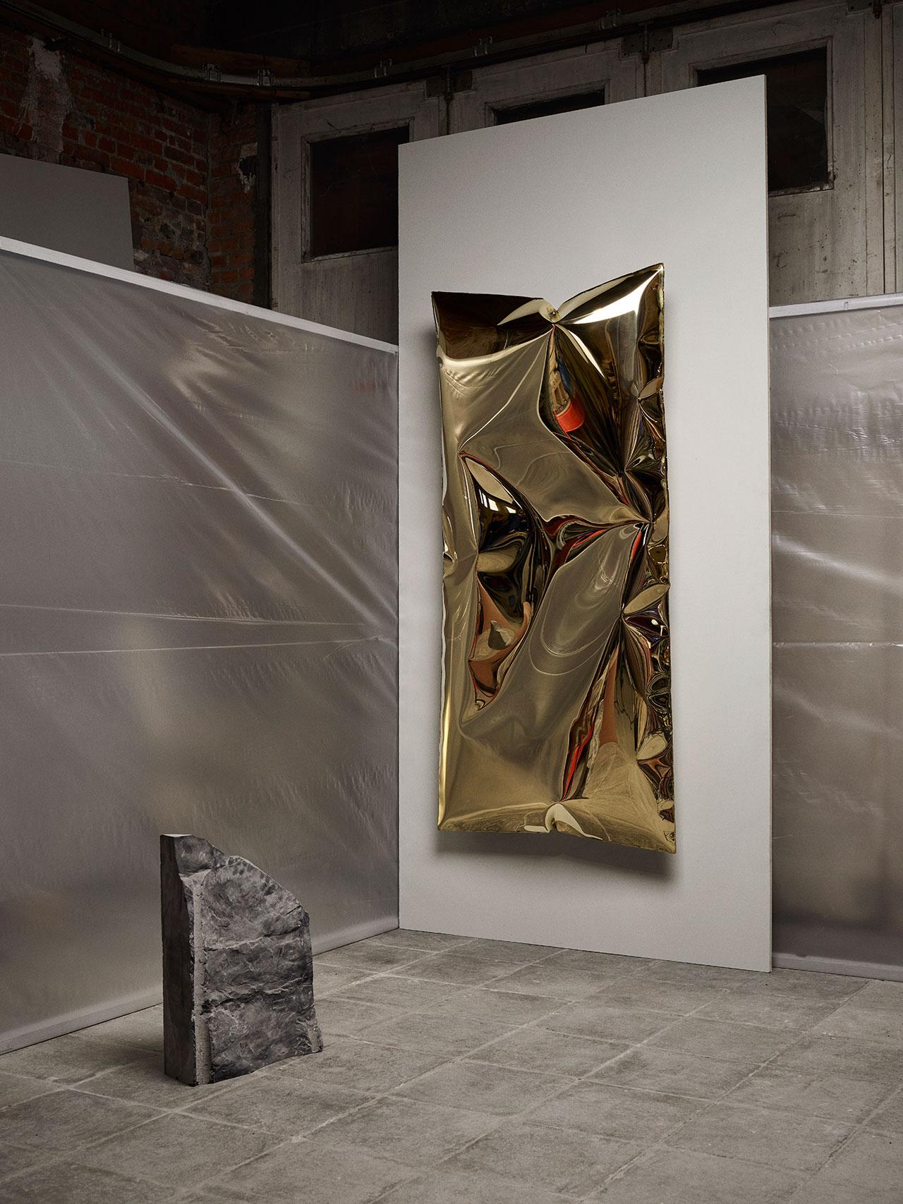 Ben Storms,InHale wallpiece brass. Photography © Alexander Popelier.