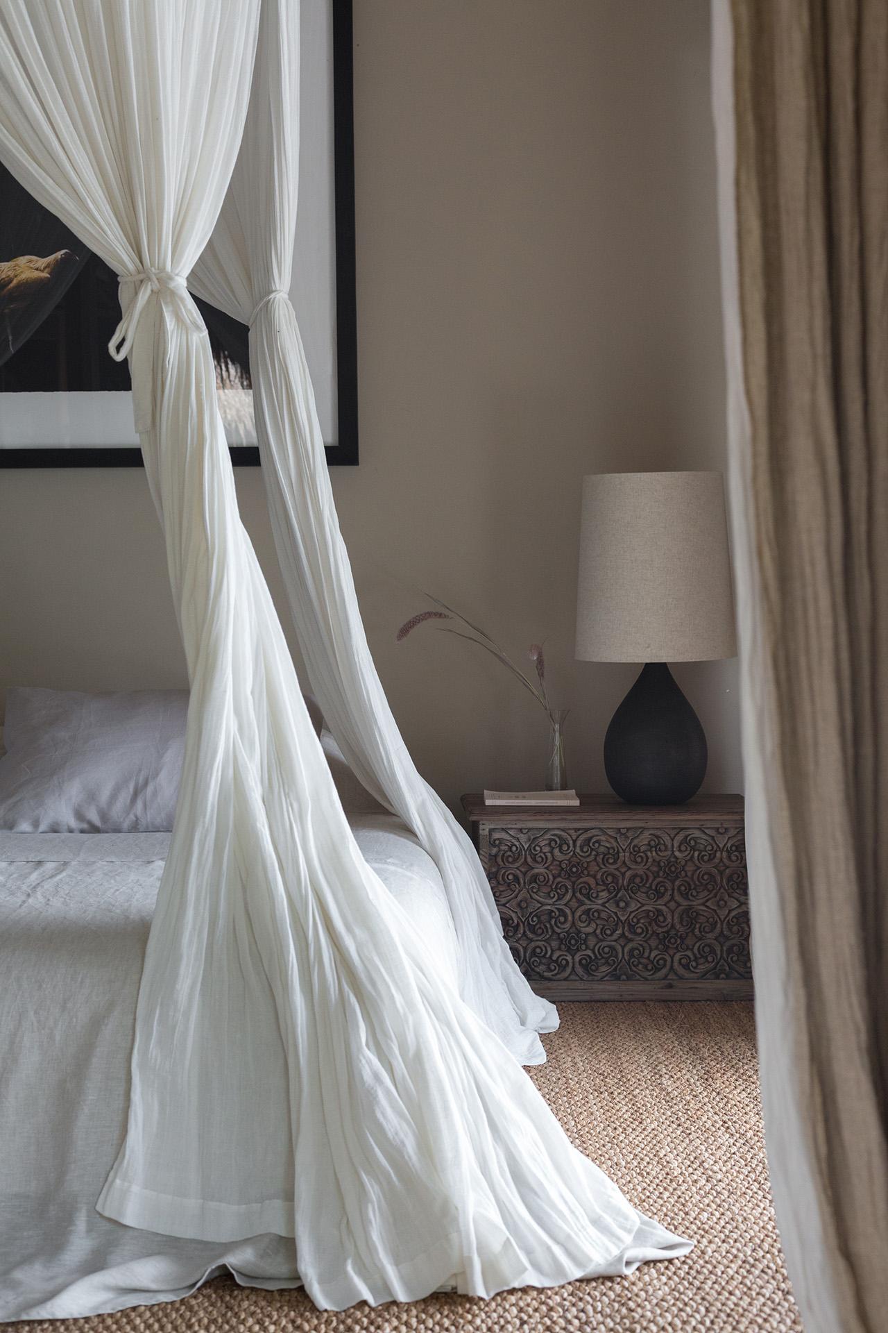 The Meier bedroom. Photo by Jencquel Tommaso Rica. Styling byLisa Scapin.