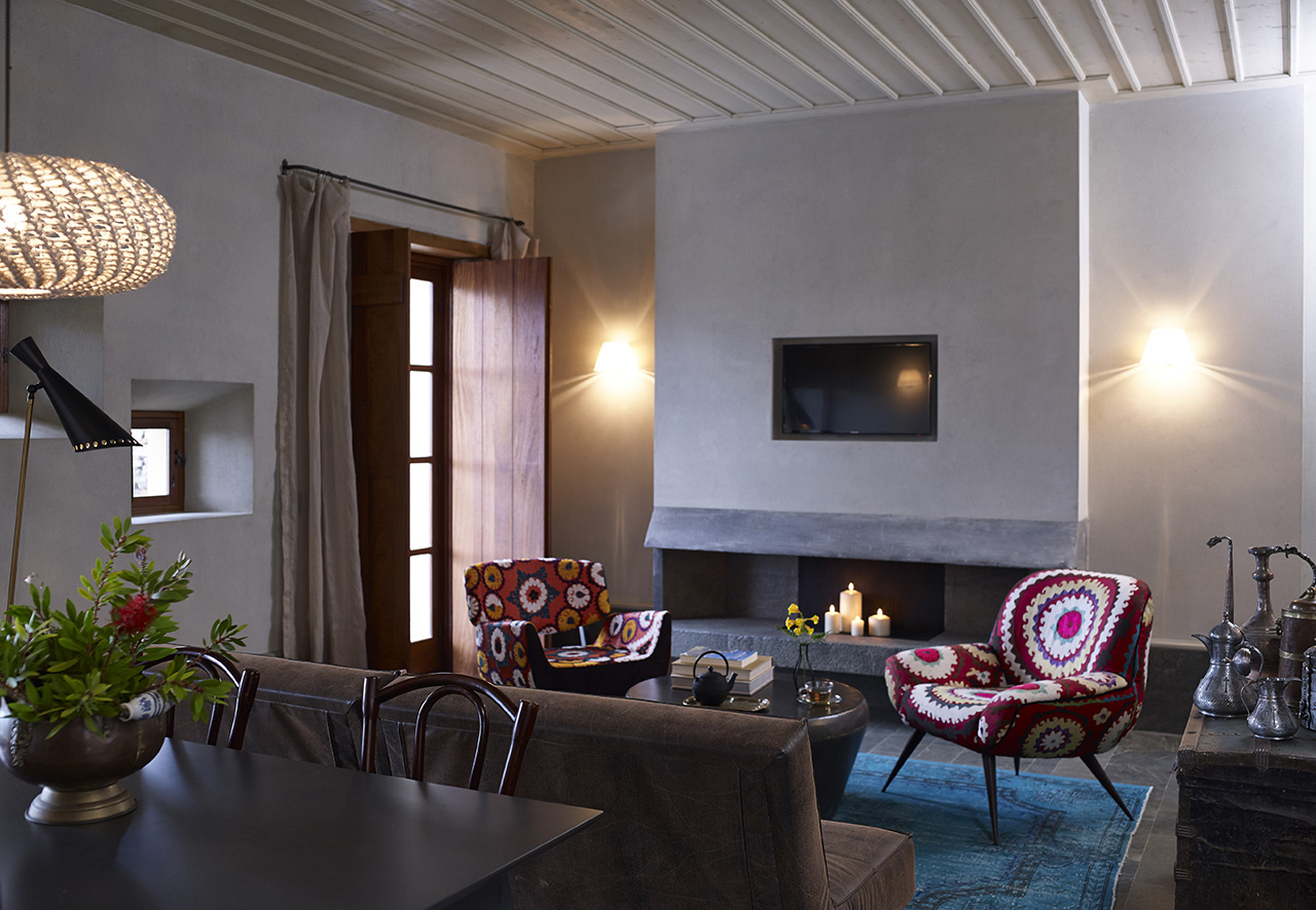 Kinsterna Villa with private pool. Photo byVangelis Paterakis © Kinsterna Hotel.
