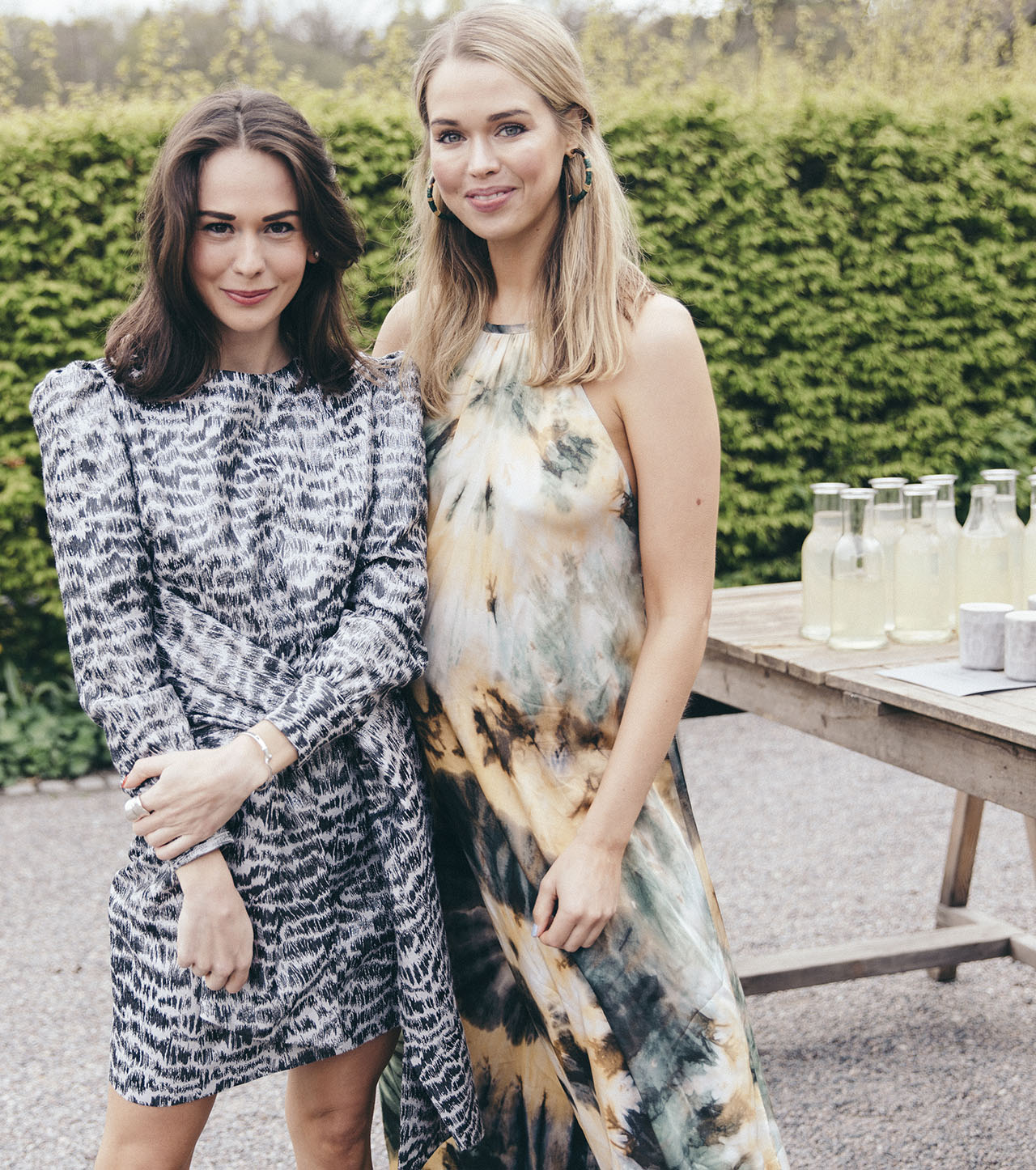 Therese Hellström (left) and Clara Hallencreutz (right). Mateus Meets Fashion 2019, Stockholm, Sweden. Photo by Rasmus Lindahl © Mateus.