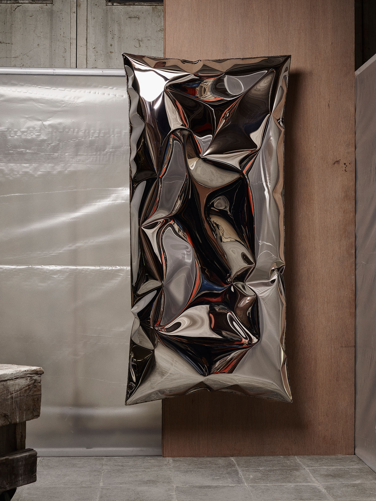 Ben Storms,InHale wallpiece steel. Photography © Alexander Popelier.