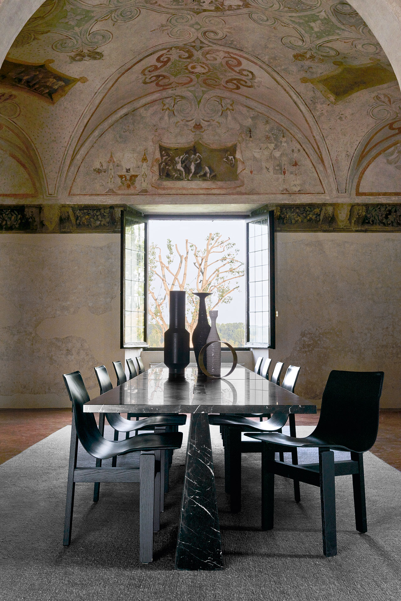 Incas table and Tre3 chairs, The Mangiarotti Collection, Agapecasa© Agape