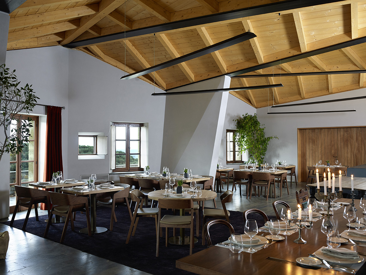 'Mouries' restaurant at Kinsterna'snewly built annex. Photo byVangelis Paterakis © Kinsterna Hotel.