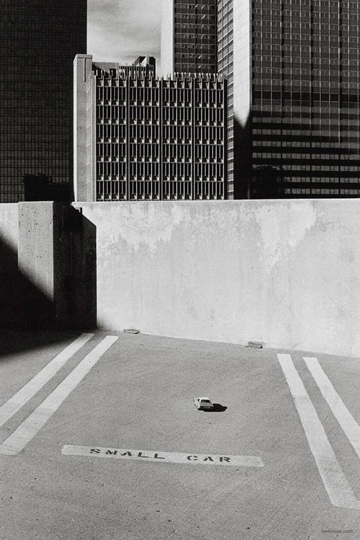 Rémi Noël,Small car, Dallas.Courtesy of the artist.