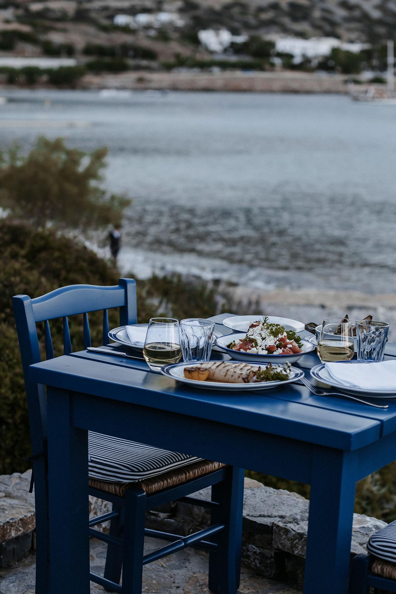 Blue Door Taverna © PHĀEA Resorts.