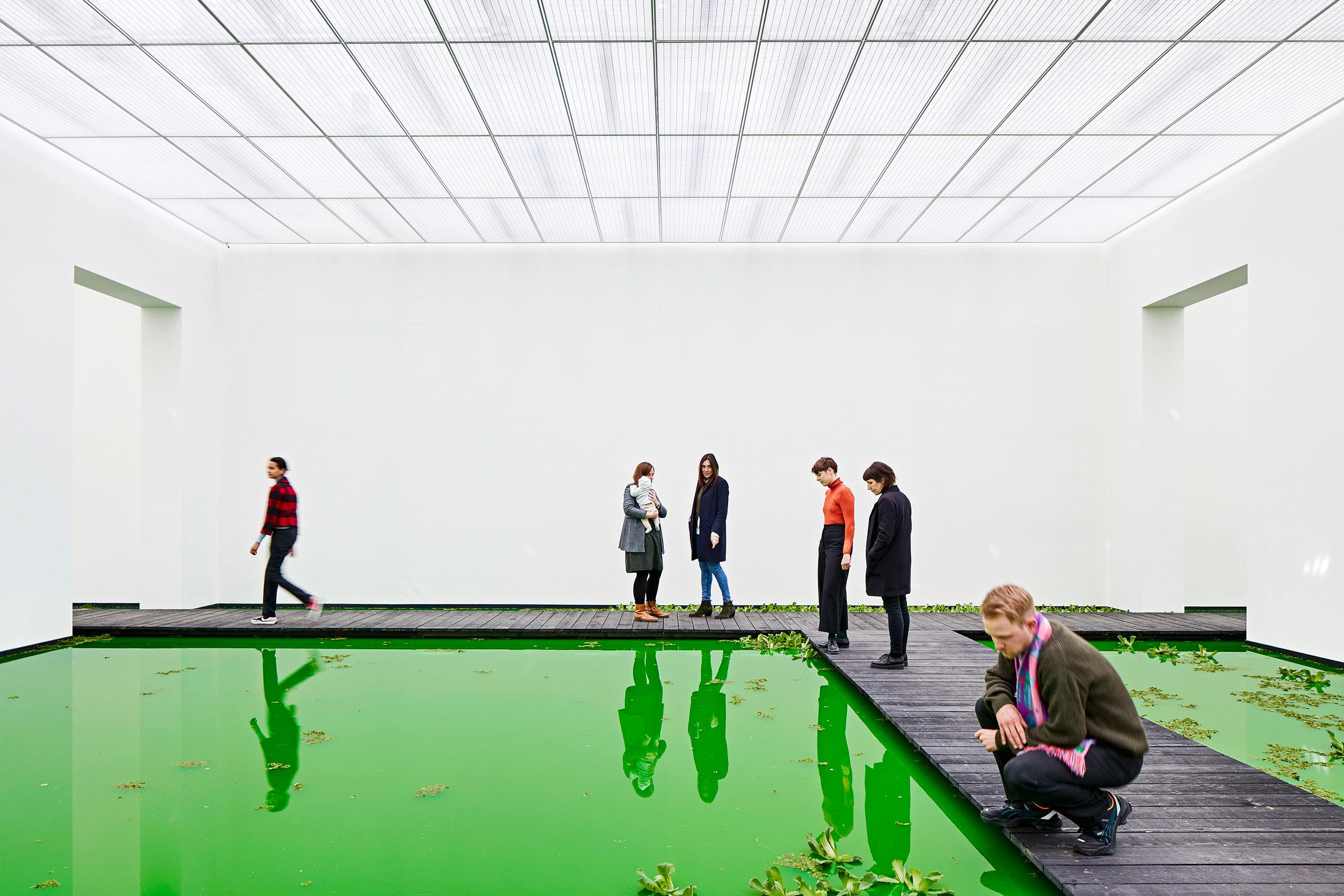 Olafur Eliasson,LIFE, 2021.Installation view: Fondation Beyeler, Riehen/Basel, 2021.Courtesy of the artist; neugerriemschneider, Berlin; Tanya Bonakdar Gallery, New York / Los Angeles © 2021 Olafur Eliasson. Photo: Mark Niedermann