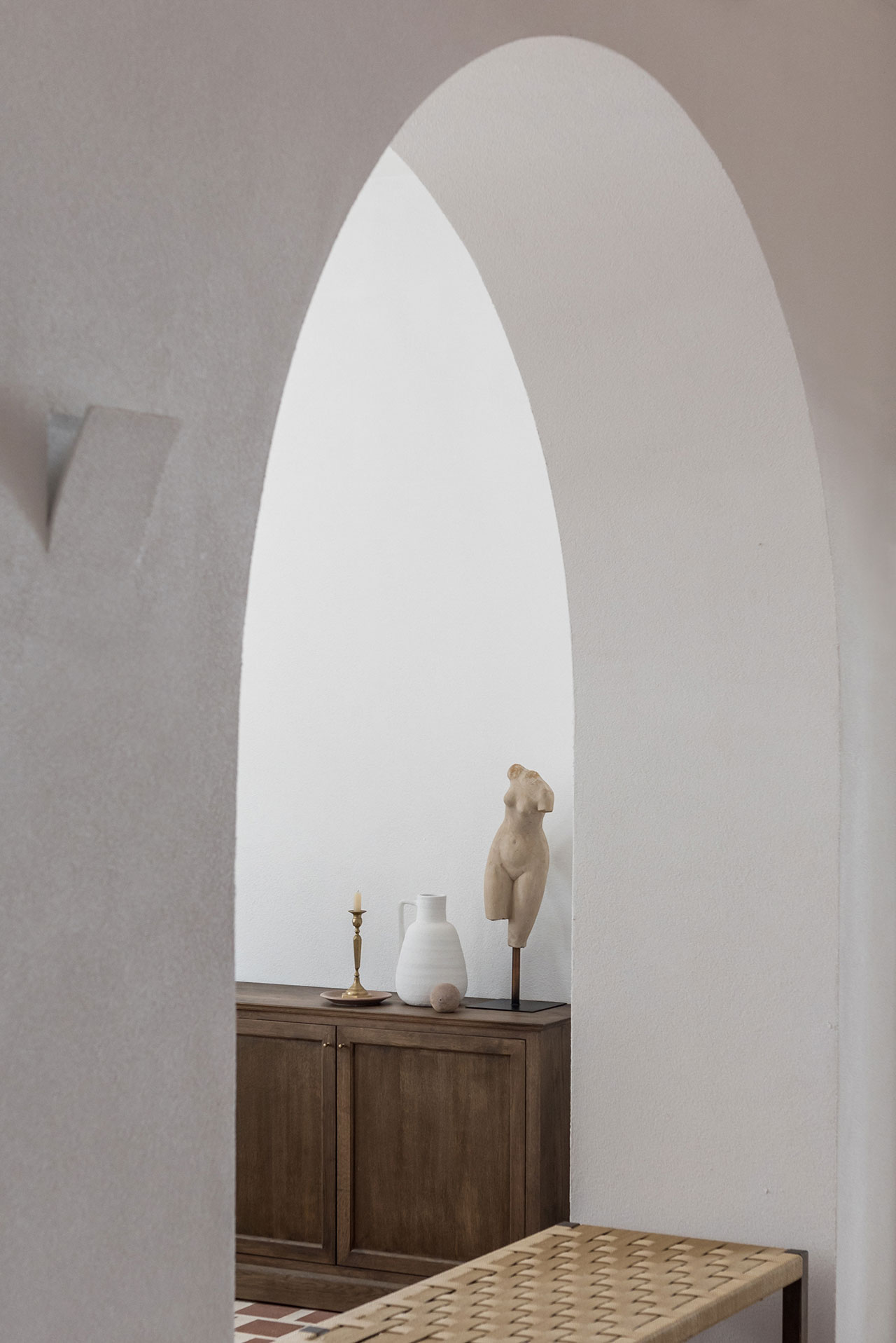 © Parīlio a member of Design Hotels™ | Kolympithres,Naoussa Paros, Greece.Photo by Giorgos Sfakianakis. Courtesy of Parīlio.