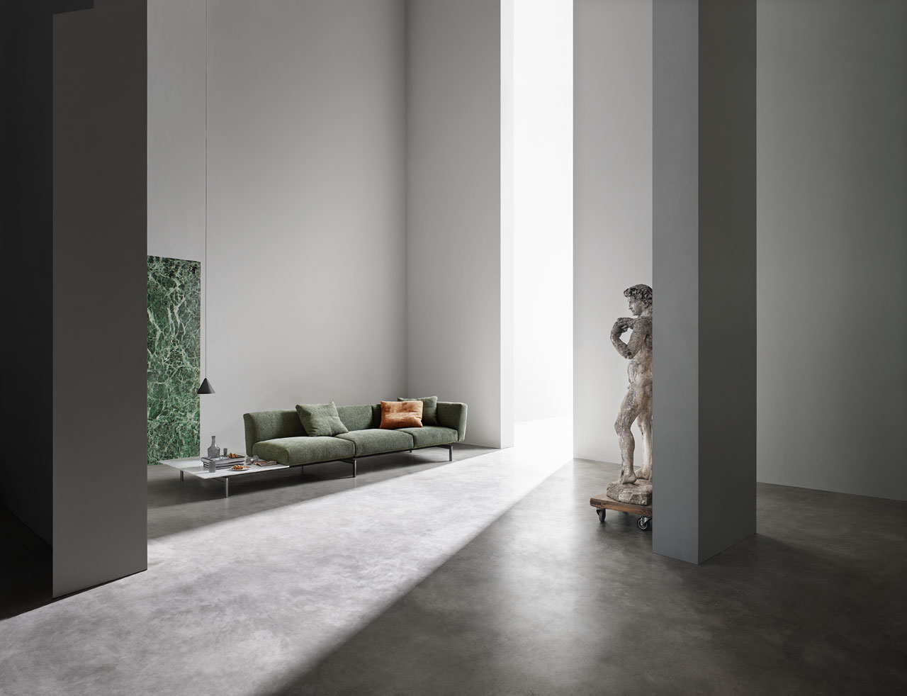 Avio Sofa System Collection by Piero Lissoni for Knoll. Photo by Federico Cedrone.