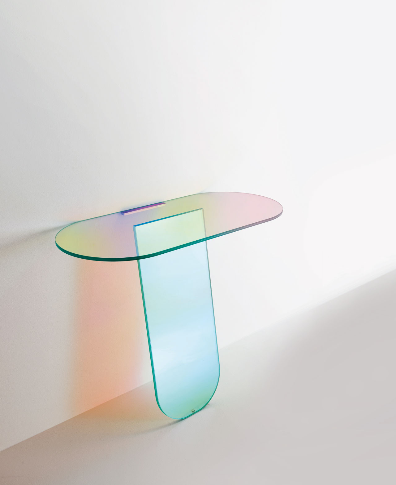 Console from theSHIMMER series byPatricia Urquiola for Glas Italia.