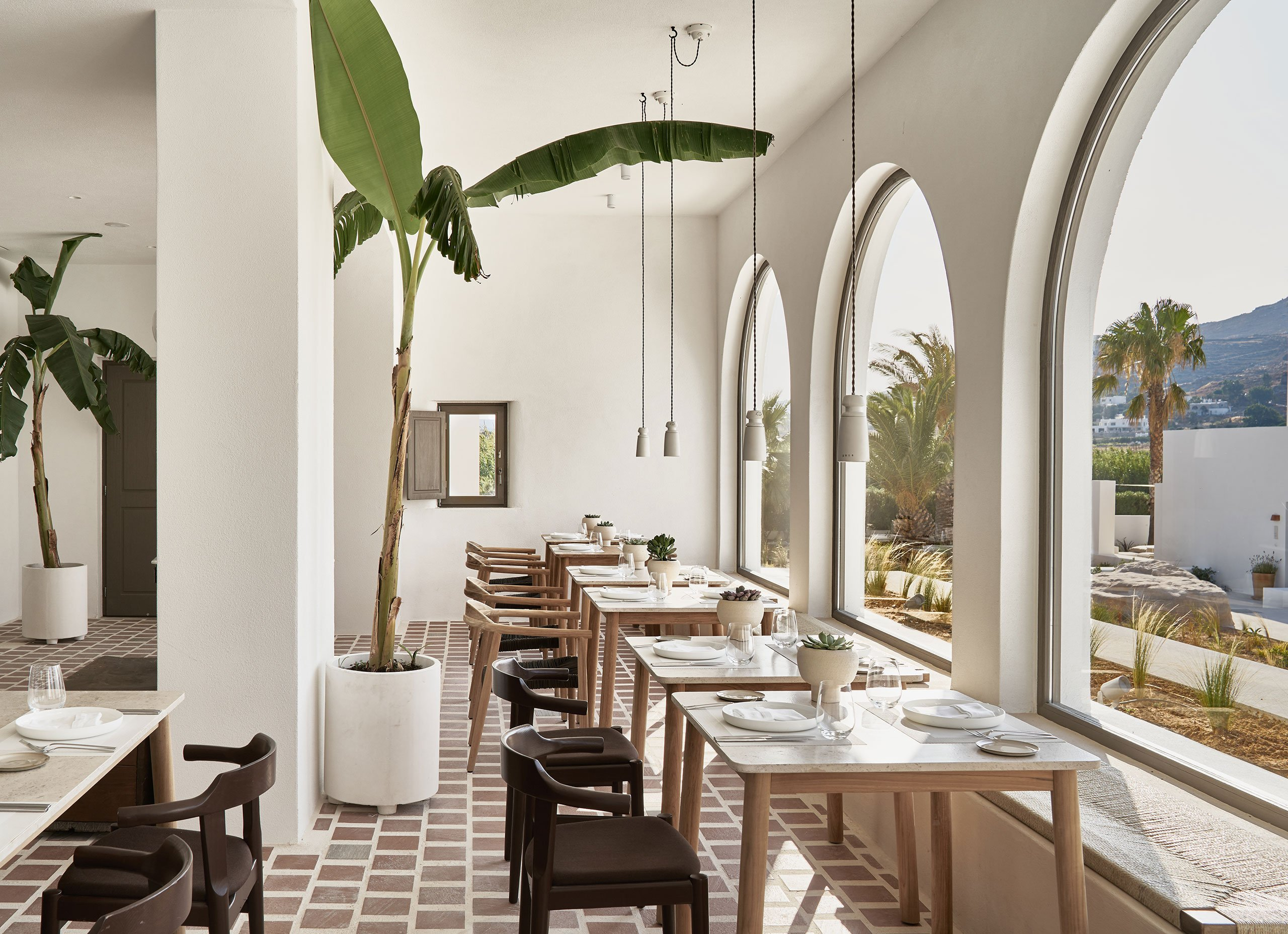 Mr.E restaurant offers an extraordinary gastronomic journey courtesy of celebrated Chef Alexandros Tsiotinis. © Parīlio a member of Design Hotels™ | Kolympithres,Naoussa Paros, Greece.Photo by Claus Brechenmacher & Reiner Baumann. Courtesy of Parīlio.