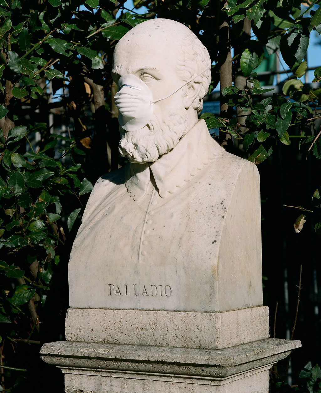 Bust of architect Andrea Palladio (1508-1580) at Villa Borghese gardens, Rome. Photo © Federico Pestilli.