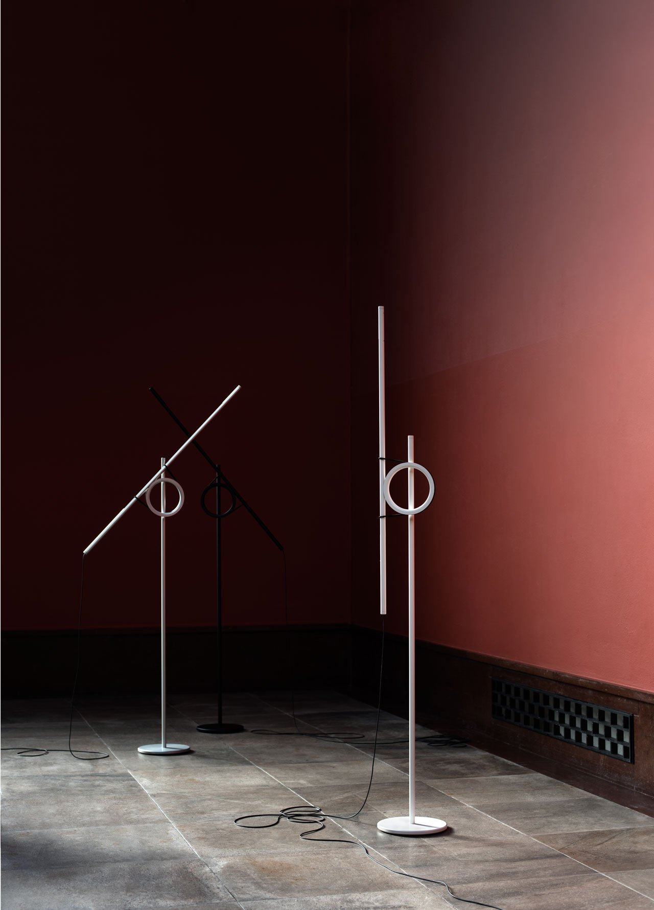 Tangent floor lamp (prototype) by Jenkins&Uhnger (Thomas Jenkins (UK) and Sverre Uhnger (NO)) for Everything is Connected exhibition at Ventura Lambrate during Milan Design Week 2017. Photo: Lasse Fløde | Styling: Kråkvik & D`Orazio | Thanks to Vigeland-Museet.