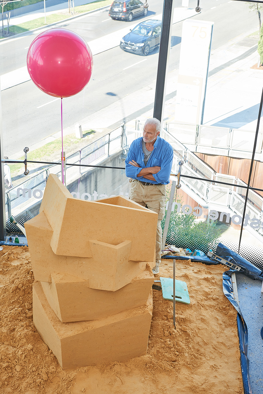 Spain's most renowned surface producer, COSENTINO, recreated their beautiful Daniel Libeskind-designed sculpture, Beyond The Wall, using 5 tonnes of sand in their showroom space. You can look, but you can't touch! Photo: Fiona Susanto, courtesy Indesign Media.