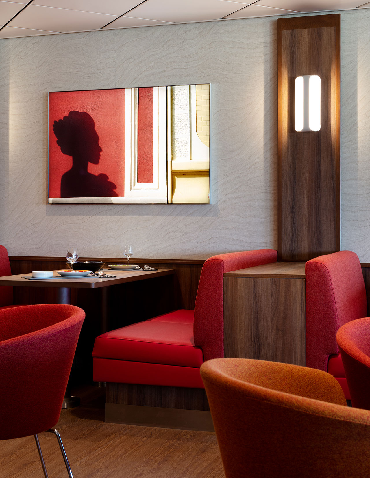 Taberna de TapasRestaurant. Art & Photography by Klunderbie.