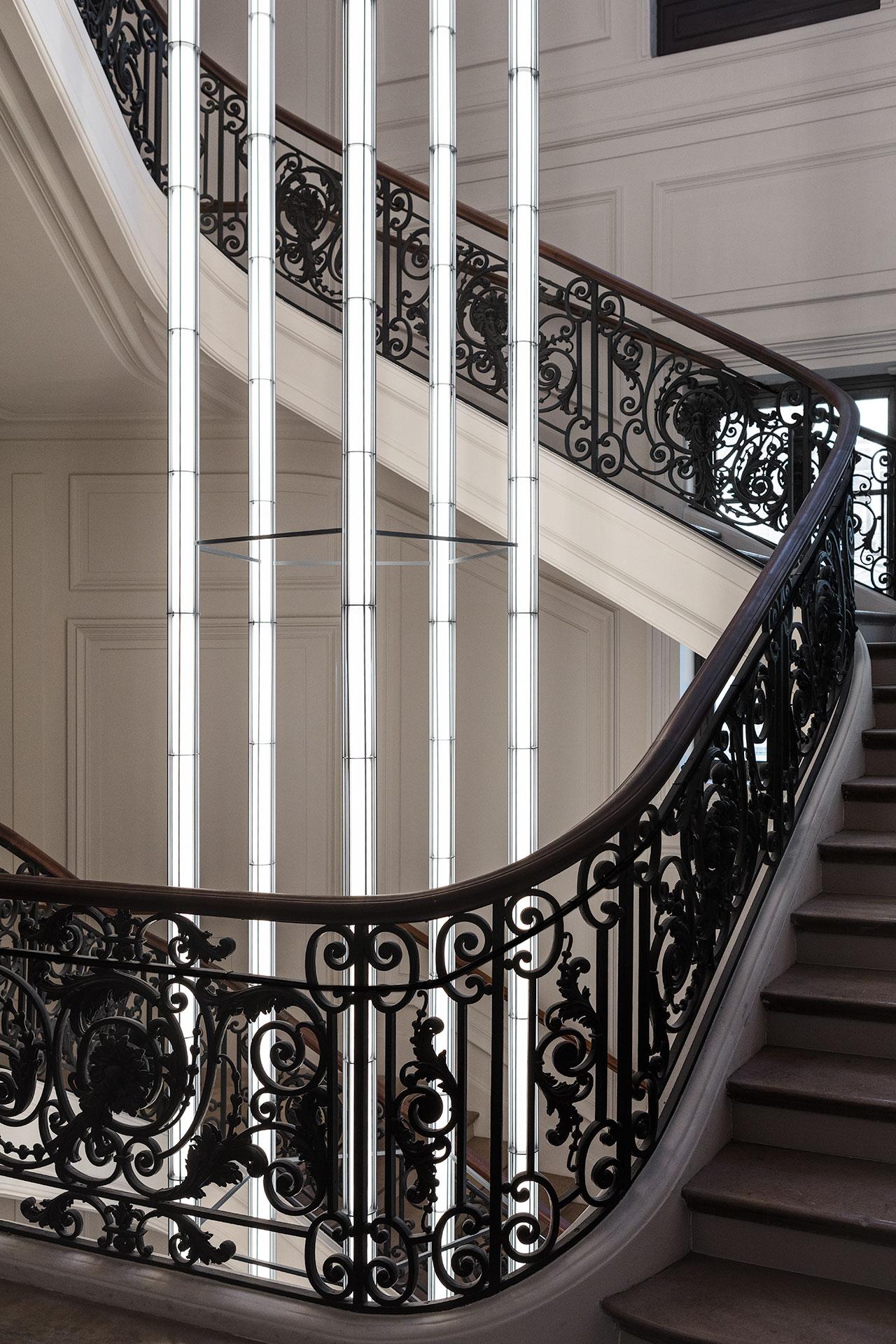 Ronan et Erwan Bouroullec, chandelier, 2020. © Studio Bouroullec © Tadao Ando Architect & Associates, NeM / Niney et MarcaCourtesy Bourse de Commerce - Pinault Collection